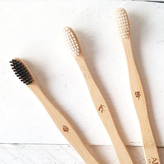 60971-brosse-dents-souple-adulte